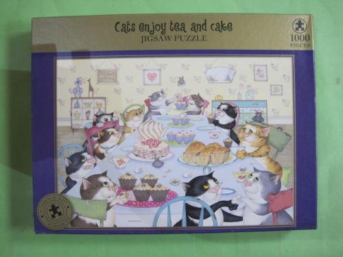 Cats enjoy Tea and Cake (2436)